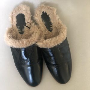 Zara black leather and  faux fur mules/slides 8